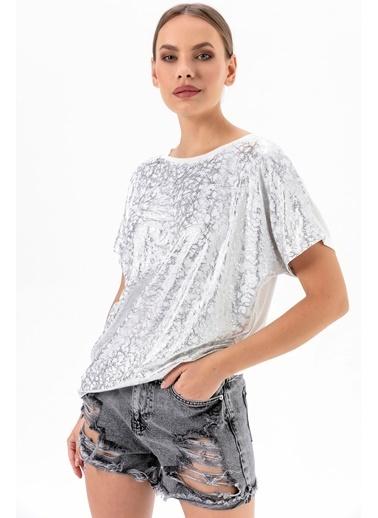 Emjey Varak Desenli T-Shirt Beyaz